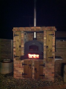 La Bella Outdoor Wood Pizza Oven
